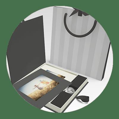 Coffrets Photo, Packs Souvenir, Tirages papiers, et Agrandissements, Alu-dibond, Plexiglas, Photo sur Toile et Livres
